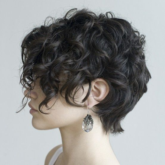 short curly hair – I love this style.