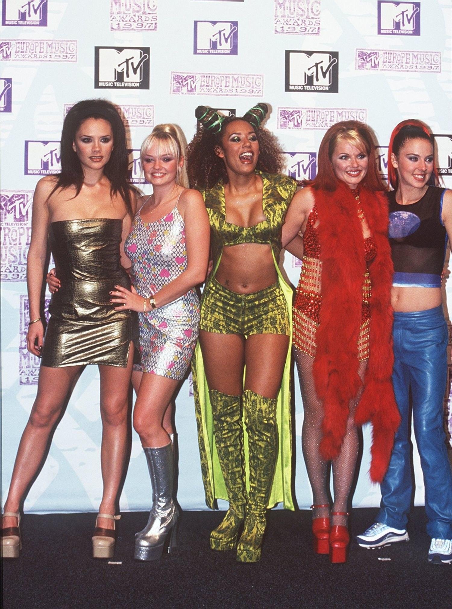 90\'s fashion trend   How Do It Info