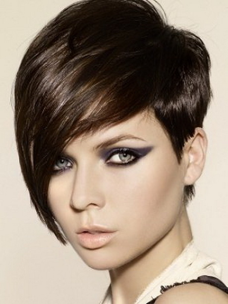 Very short hairstyles for women with round faces -   Very short haircuts for women with round faces