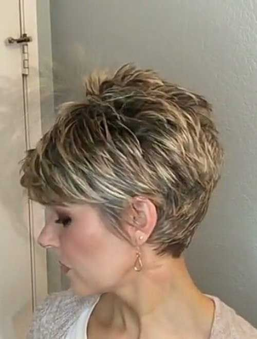 Chic Short Haircuts for Women Over 50 -   Fine Hair Style Short Hair Cuts for Women Over 50