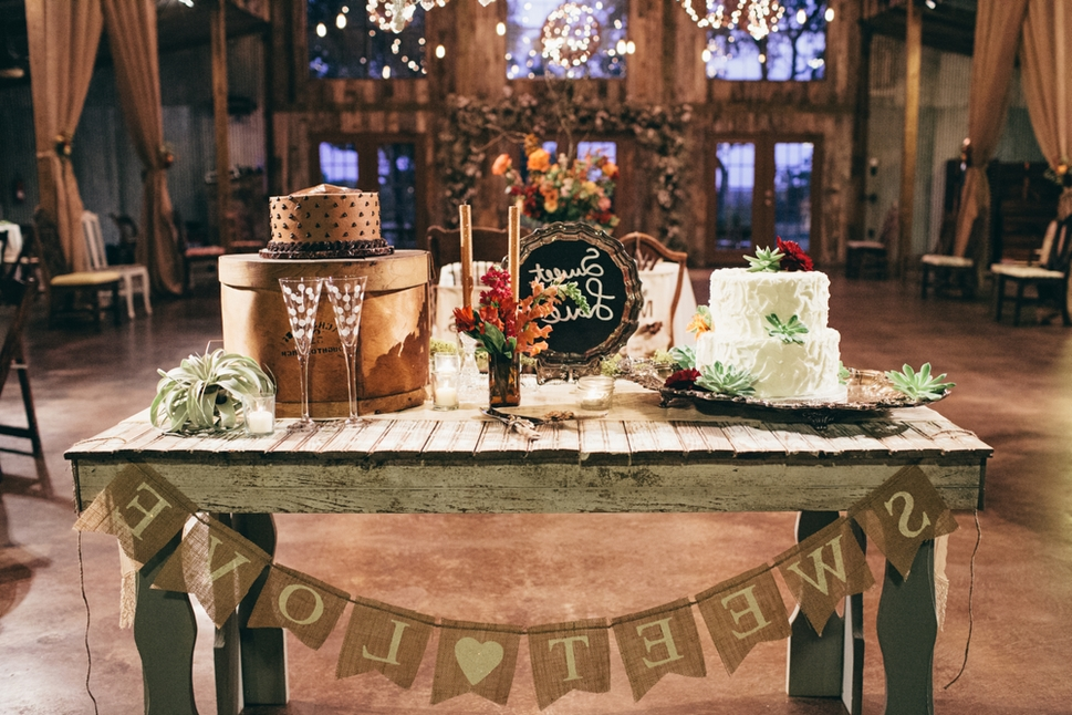 wedding cake table decorations rustic cake table d 233 cor ideas how do it info 26184