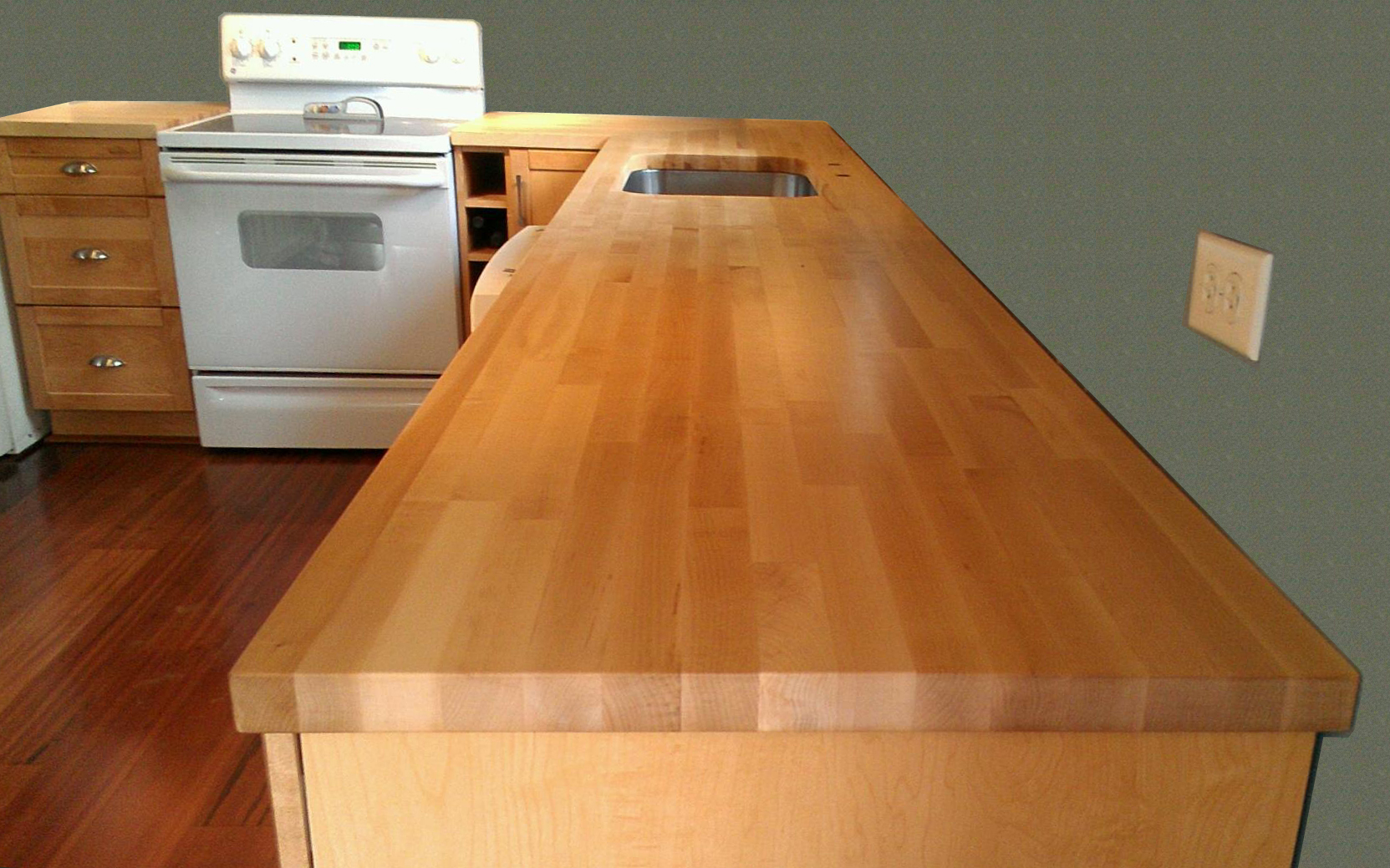 Kitchen Countertop Corner Idea