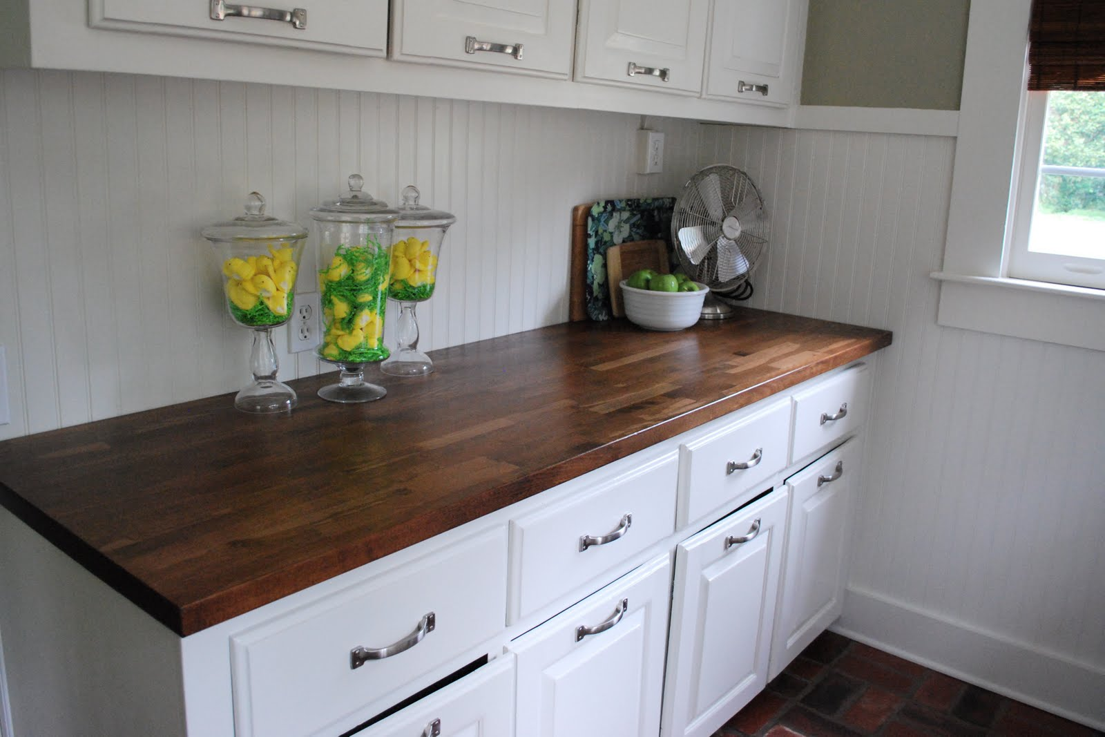 white-wooden-kitchen-cabinet-with-butcher-block-countertop-for-chic-kitchen-furniture-idea